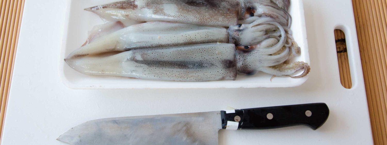 イカの基本的な捌き方|プロが教える簡単な方法